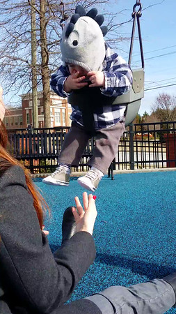 20150101 Swinging at the park