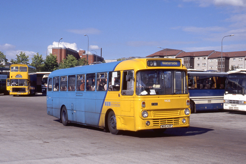 KCB 1425 Buchanan Bus Station Glasgow Aug 90