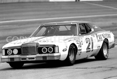 Michigan Int, David Pearson Comes For Pit Stop, NASCAR, 1978