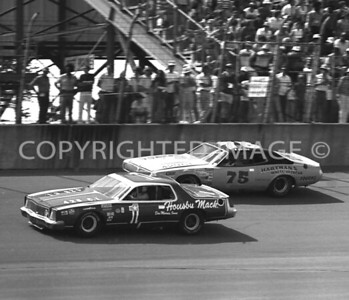 Michigan Int, #75 Butch Hartman Passing #1 Ramo Stott, USAC, 1976