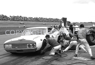 Michigan, Winner A J Foyt gets service, USAC, 1970