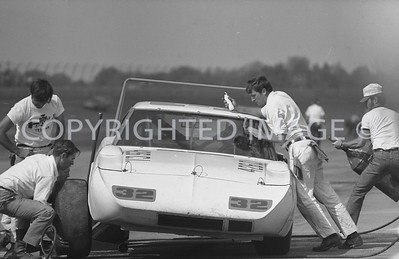 Michigan, Dick Brooks getting serviced, 1970, NASCAR