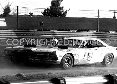 Terre Haute, 39 Paul Feldner gets marker, 1969, USAC