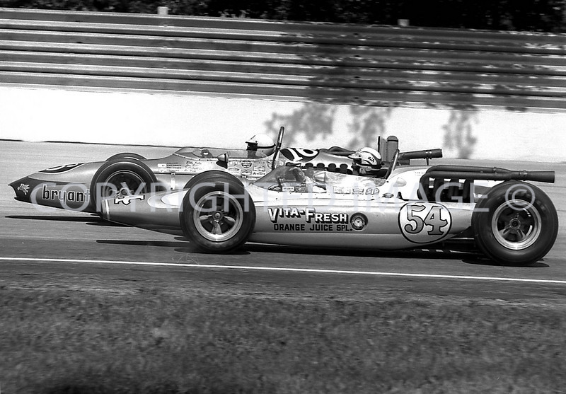 Milwaukee, Two veterans battle it out Unser and Sutton, 1965