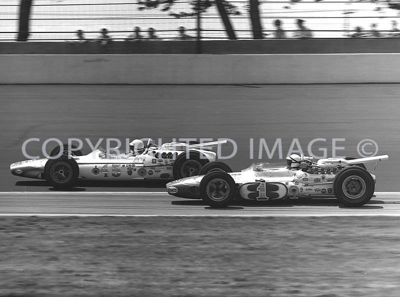 Indianapolis, Foyt trying to catch Unser, 1965