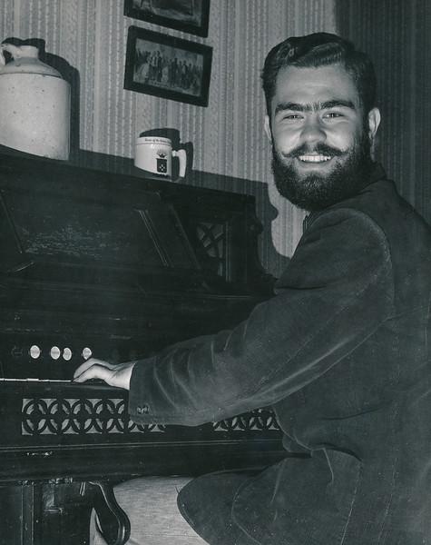 1957 playing organ