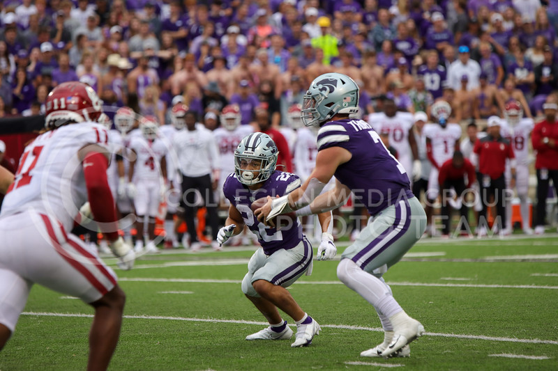 Kansas State quarterback Skylar Thompson hands the ball off to running back Deuce Vaughn in the Wildcat's 37-31 loss to Oklahoma on Saturday afternoon at Bill Snyder Family Stadium (Kendall Spencer   Collegian Media Group)