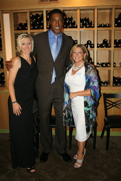 Event co-chairs Meredith Wiktorowski & Amy Callahan with Scottie Pippen2