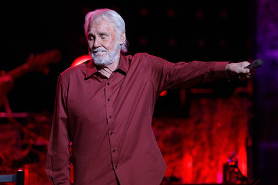 Kenny Rogers live at The Fox Theatre in  Detroit on 12-8-16.  Photo credit: Ken Settle