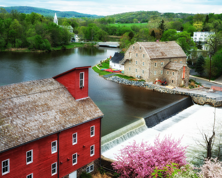 Red Mill And Art Museum