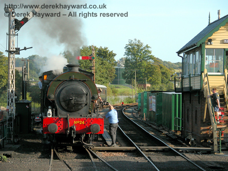 No24 Rolvenden surrenders the token at Rolvenden signalbox. 19.09.2006