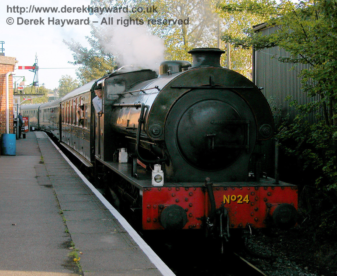 No24 Rolvenden enters the station of the same name. 19.09.2006