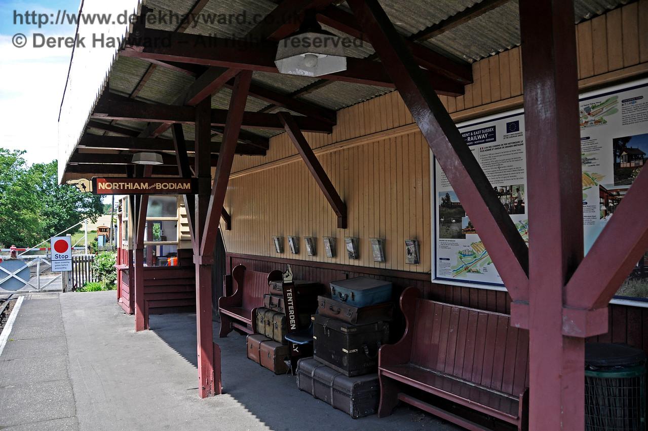 Rolvenden Station.  24.06.2015  12954