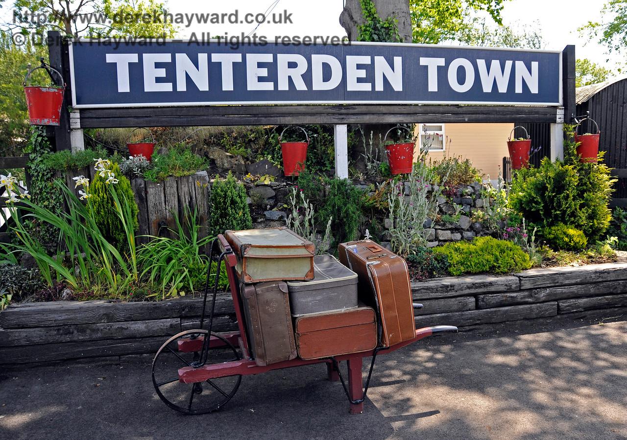 Tenterden Town Station 24.06.2015  12946
