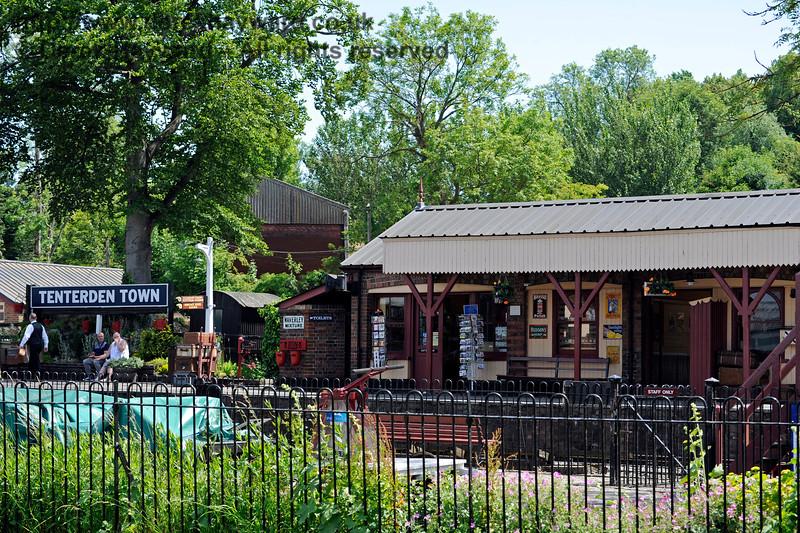 Tenterden Town Station 24.06.2015  11401
