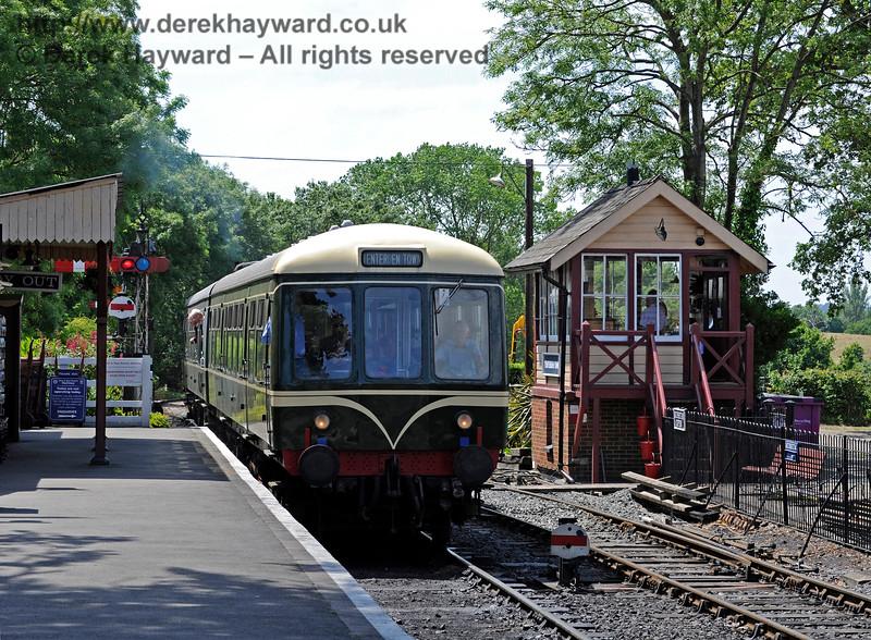 Tenterden Town Station 24.06.2015  11409