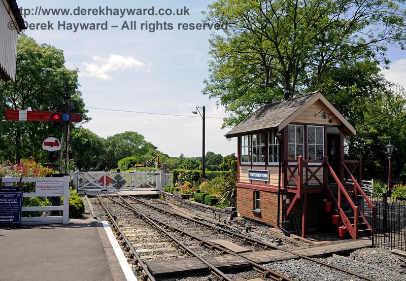 Tenterden Town Station 24.06.2015  12930