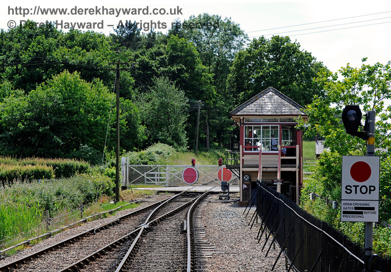 Wittersham Road Station.  24.06.2015  11428