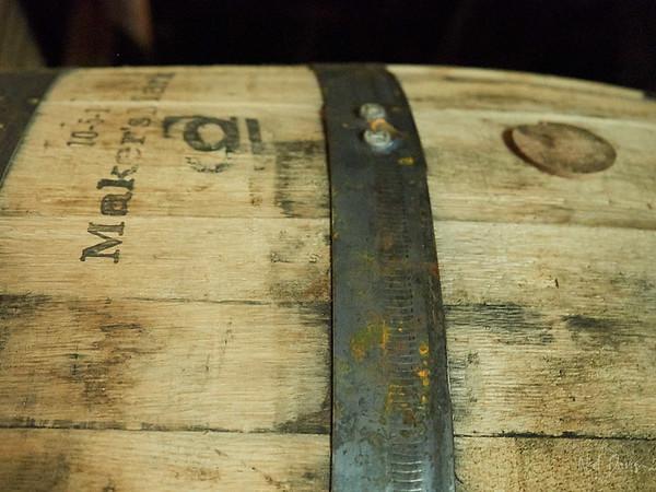 Oak Stave Barrel and Bourbon Barrel Bung