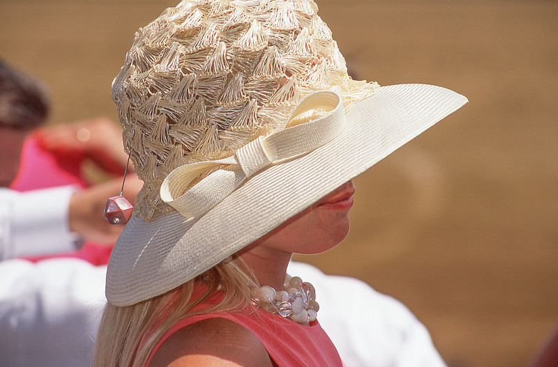 KYDerby2001-Hats-019