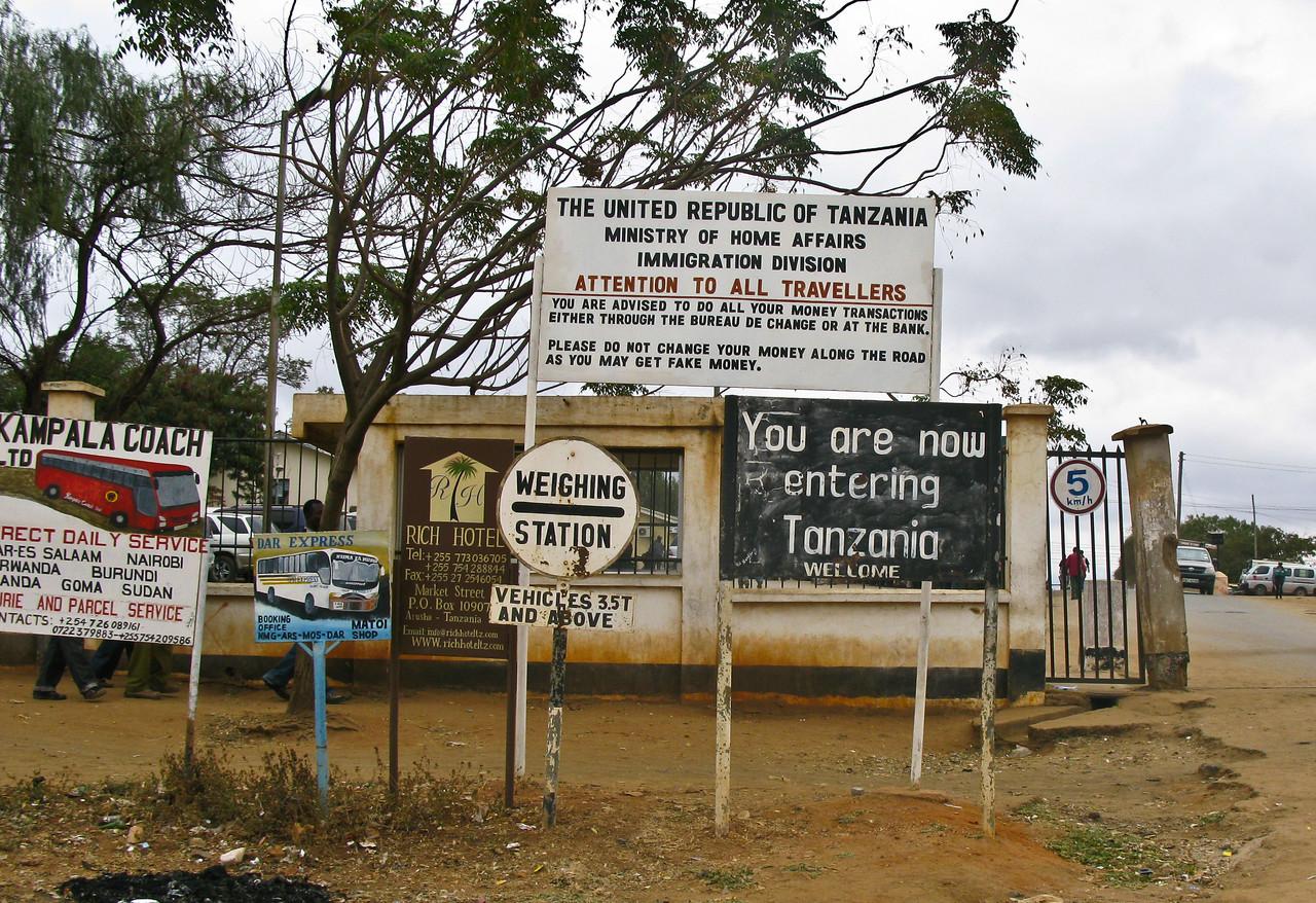 border of kenya / tanzania