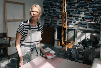 Kerry-harding-painter-artist-krowji-cornwall-portrait-studio015