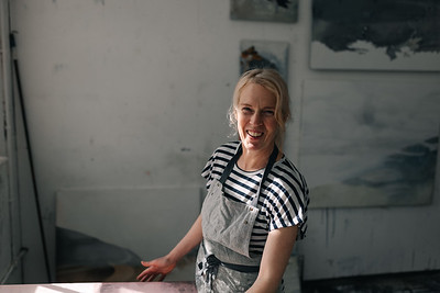 Kerry-harding-painter-artist-krowji-cornwall-portrait-studio033