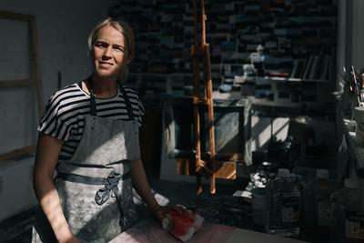 Kerry-harding-painter-artist-krowji-cornwall-portrait-studio025