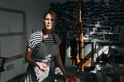Kerry-harding-painter-artist-krowji-cornwall-portrait-studio024