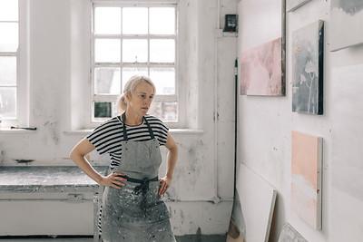 Kerry-harding-painter-artist-krowji-cornwall-portrait-studio044