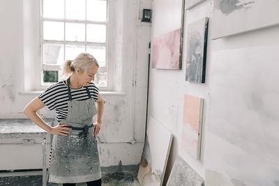 Kerry-harding-painter-artist-krowji-cornwall-portrait-studio042