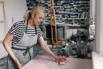 Kerry-harding-painter-artist-krowji-cornwall-portrait-studio016