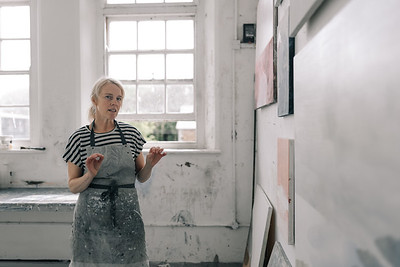 Kerry-harding-painter-artist-krowji-cornwall-portrait-studio039