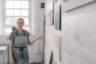 Kerry-harding-painter-artist-krowji-cornwall-portrait-studio035