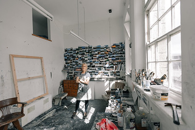 Kerry-harding-painter-artist-krowji-cornwall-portrait-studio046