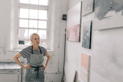 Kerry-harding-painter-artist-krowji-cornwall-portrait-studio041