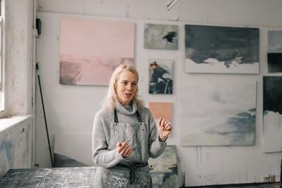 Kerry-harding-painter-artist-krowji-cornwall-portrait-studio006