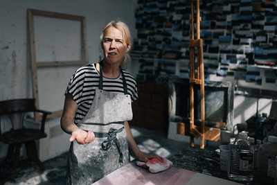 Kerry-harding-painter-artist-krowji-cornwall-portrait-studio014