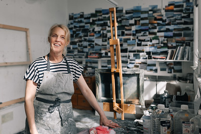 Kerry-harding-painter-artist-krowji-cornwall-portrait-studio027