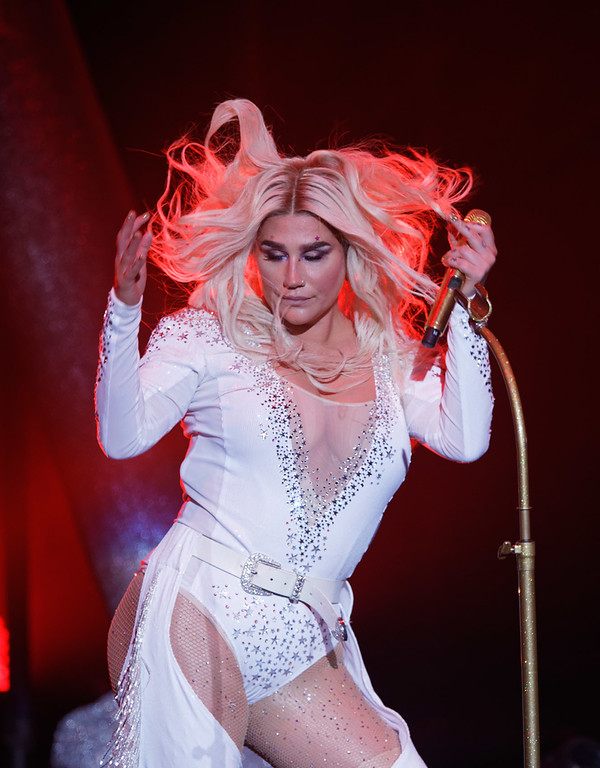 . Kesha live at DTE on 7-18-18.  Photo credit: Ken Settle