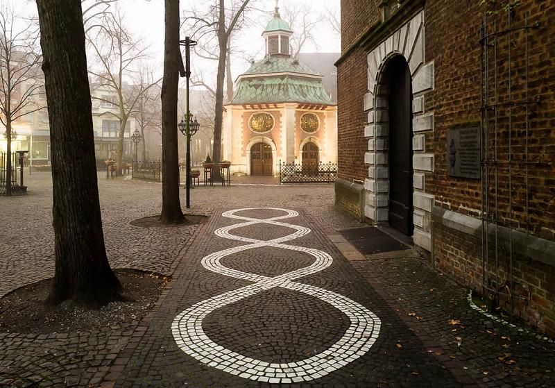 Gnadenkapelle mit Eingang Kerzenkapelle