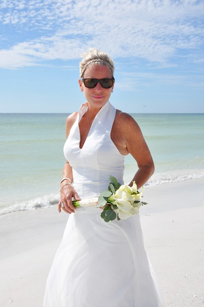 Beautiful intimate wedding at Siesta Key Beach, FL