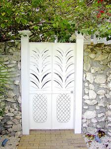 Big Pineapple Gate