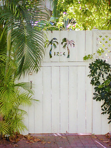 Palm tree gate