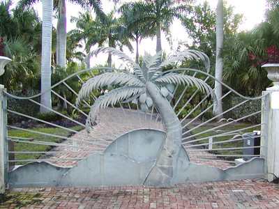 Major Palm Tree Gate