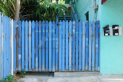This blue gate to the apartments also comes with instructions.