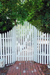 Very nice picket fence and gate.