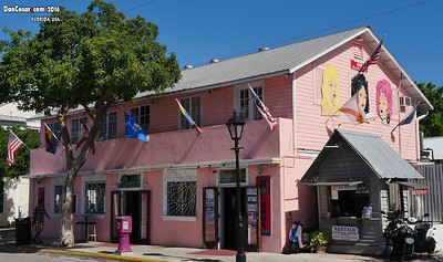 Key West, Drag Bar