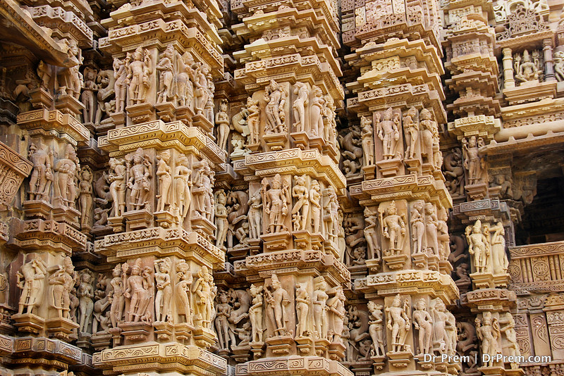 Images of God and Goddess in each rows. Upper rows of the temples has figures of God and Goddess and the lower rows has human figures. Distinction between human and God is that God carries weapons in its hand.