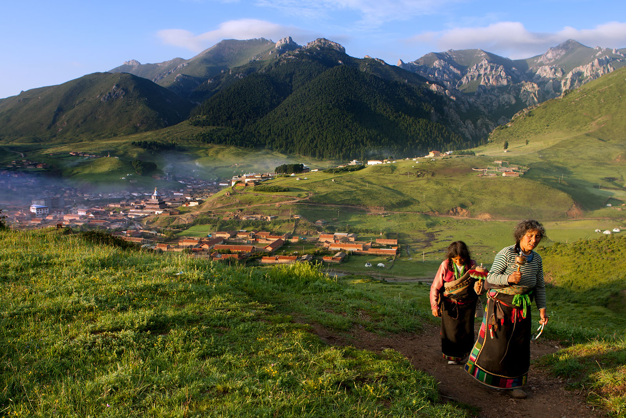 Early morning, Taktsang Lhamo (Langmusi), Amdo (Gansu)